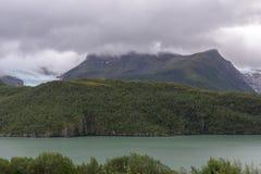 Wielki lodowiec w Norwegia † Svartisen† w złej pogodzie obraz stock