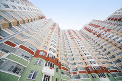 Wielki mieszkaniowy budynek mieszkaniowy Zdjęcie Royalty Free