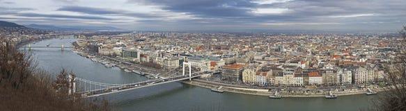 Wielki Panoramiczny przegląd Budapest na Danube rzece obrazy stock