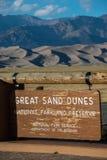 Wielki piasek diun parka narodowego wejścia znak Fotografia Royalty Free
