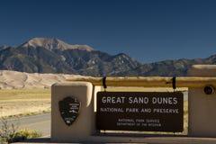 Wielki piasek diun parka narodowego znak Obrazy Stock