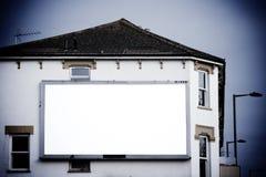 Wielki pusty billboard na stronie budynek Zdjęcie Stock