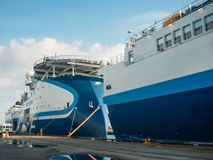 Wielki sejsmiczny ankiety naczynia statek w porcie przy molem, eksploracji morze dla nafcianego górniczego na morzu transportu obrazy royalty free