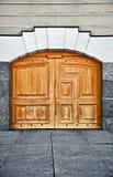 Wielki stary drewniany drzwi Zdjęcie Royalty Free