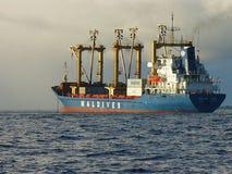 Wielki statek przy morzem, denny rejs obrazy royalty free