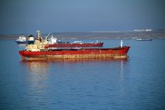Wielki tankowiec na wysokich morzach Zdjęcie Royalty Free