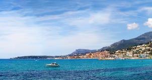 Wielki widok morze śródziemnomorskie i miasto Menton Obraz Stock
