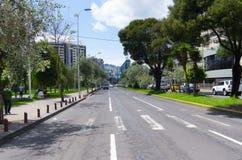 Wielki wizerunek od nowożytnej części miesza nowej Quito Obraz Stock