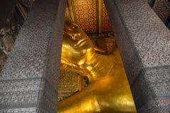 Wielki złoty Buddha W świątyniach Fotografia Stock