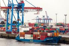 Wielki zbiornika statek przy zbiornika Terminal Buchardkai w Hamburg Obraz Royalty Free