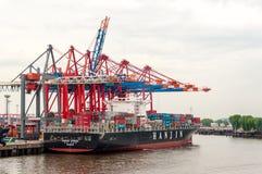 Wielki zbiornika statek przy zbiornika Terminal Buchardkai w Hamburg Obrazy Stock