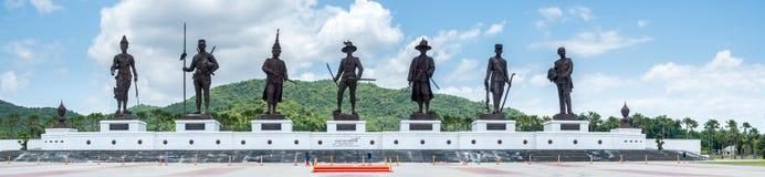 Wielkie siedem Tajlandzkich królewiątek statui przy Huahin Zdjęcie Stock