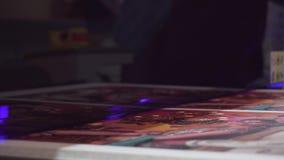 Wielkiego formata ULTRAFIOLETOWA drukarka drukuje wysokiej jakości grafika z dużą prędkością zdjęcie wideo