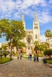 Wielkomiejski katedralny kościół i Simon Bolivar statua w Guayaq fotografia royalty free