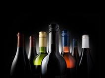 Wielo- butelki czerń - Akcyjny wizerunek zdjęcia royalty free