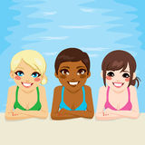 Wielo- Etnicznych kobiet Pływacki basen Obrazy Stock