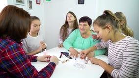 Wielo- pokolenia kobiety w jeden rodzinie zbiory wideo