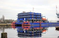 Wielo- Purpose zakwaterowania poparcia naczynie Północny morze, Wilhelmshaven, Niemcy obraz royalty free