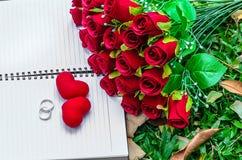 Wielokrotności róży kwiatu dekoracja robić z rocznika filtra stylem Zdjęcie Royalty Free