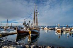 Wielorybia dopatrywanie łódź w Husavik, Iceland obraz royalty free