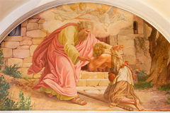 Wien - återkomsten av den slösaktiga sonplatsen av Josef Kastner det äldre från 20 cent i den Erloserkirche kyrkan royaltyfria foton