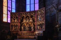 Wien, Österreich - 15. Juni 2012: Der Neustadt-Altar des Wiener Würstchens ist die berühmtesten Altare in St- Stephen` s Kathedra Stockbild