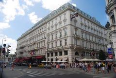 """Wien Österrike †""""Juli, 2013 Hotell Sacher i Wien Royaltyfri Fotografi"""