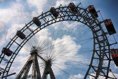 WIEN ÖSTERRIKE - AUGUSTI 17, 2012: Sikt av Prater jätte- hjul e Fotografering för Bildbyråer
