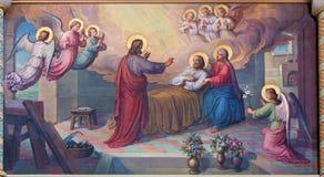WIEN ÖSTERRIKE - FEBRUARI 17, 2014: Freskomålning av döden av St Joseph av Josef Kastner från 1906 - 1911 i den Carmelites kyrkan arkivfoto