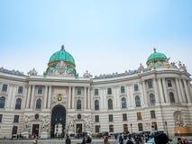WIEN ÖSTERRIKE - FEBRUARI 17, 2018: Hofburg imperialistisk slott i Wien, Österrike Royaltyfri Foto