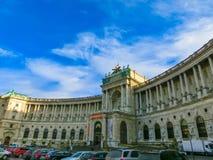 Wien Österrike - Januari 02, 2015: Wien Hofburg imperialistisk slott på dagen, Österrike Royaltyfri Foto