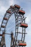 Wien Österrike JUNI 5, 2018: Prater jätte Ferris Wheel Wiener Riesenrad från 1897, historisk stadsgränsmärke royaltyfri bild