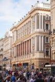 Wien Österrike - Juni 06, 2018: Stephansplatz med många turister fotografering för bildbyråer