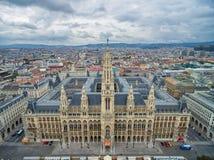 WIEN ÖSTERRIKE - OKTOBER 10, 2016: Rathaus i Wien, Österrike Arkivfoton