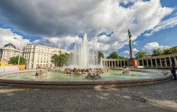 WIEN ÖSTERRIKE - OKTOBER 09, 2016: Sovjetisk krigminnesmärke i Wien, Österrike Arkivfoton