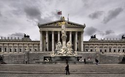Wien österrikisk parlamentbyggnad (Hohes Haus) Arkivbild