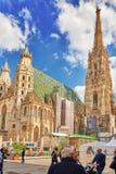 WIEN AUSTRIA-SEPTEMBER 10, 2015: Fasad av St Stephen, p Royaltyfri Foto