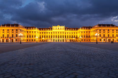 Wien bis zum Nacht, Schonbrunn Palast Lizenzfreies Stockfoto