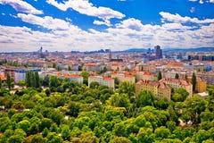 Wien cityscape från Prater gyckel parkerar sikt royaltyfri fotografi