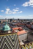 Wien Cityscape från St Stephen Cathedral Royaltyfri Foto