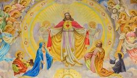 Wien - das Mosaik von Jesus Christ mit den Engeln auf der russischen orthodoxen Kathedrale von Sankt Nikolaus Stockbild