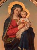 """Wien - den Madonna målarfärgen på sidoaltaret av den Sacre Coeur kyrkan av Anna Maria von Oer (1846†""""1929) Arkivbild"""