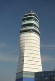 Wien Flughafen-Kontrollturm Stockfotos