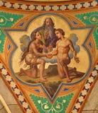 Wien - Fresko der Hochzeit von Adam- und Eva-Szene im Seitenkirchenschiff von Altlerchenfelder-Kirche von. Cent 19. Lizenzfreie Stockfotografie
