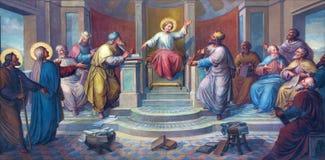 Wien - freskomålning av platsen - lilla Jesus bland scribes i templet av Josef Kastner från 1906 - 1911 i den Carmelites kyrkan arkivbild