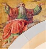 Wien - freskomålningen av profeten Isaiah av Josef Kastner det mer ung från 20 cent i den kyrkliga Muttergotteskirchen royaltyfria foton