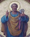 Wien - freskomålningen av St Peter som aposteln från börjar av 20 cent vid Josef Kastner från den Carmelites kyrkan royaltyfri fotografi