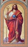 Wien - freskomålning av Jesus Christ som konungen av världen av Karl von Blaas från. cent 19. i skepp av den Altlerchenfelder kyrk Arkivbild