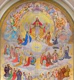 Wien - hjärta av Jesus med änglarna och beskyddare av landet som planläggs av Josef Magerle (1948) i den Erloserkirche kyrkan arkivbilder