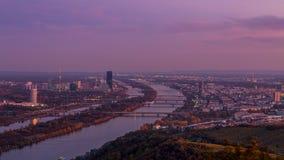 Wien horisont på natten arkivfoto